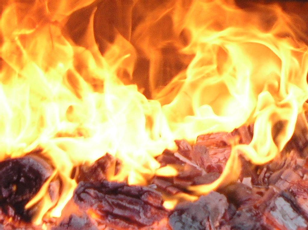 Ogenj nad Velikimi Žabljami!