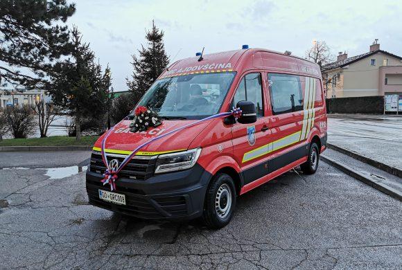 Prevzem novega gasilskega vozila